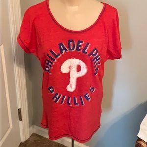 Philadelphia Phillies women's size small red tee